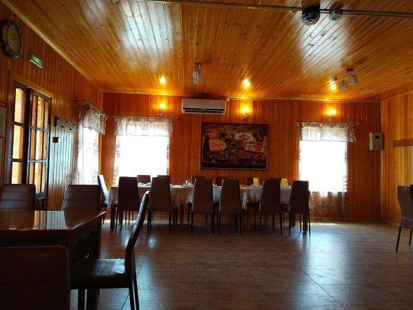 Амиран, Кафе кавказской кухни, Славянка