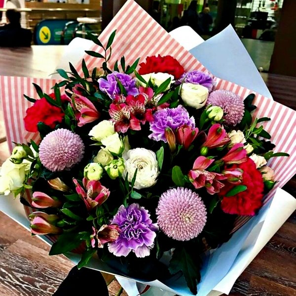 Салон цветов и подарков,Магазин цветов, Доставка цветов и букетов, Магазин подарков и сувениров,Тюмень