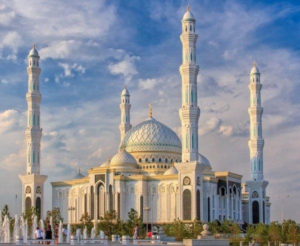 Әзірет Сұлтан мешіті,Мечеть,Нур-Султан