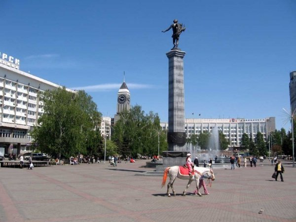 Скульптура Аполлон в Красноярске,Достопримечательности Красноярска,Красноярск