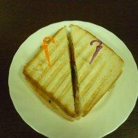 Сендвич с ветчиной,Сендвич с курицей 150г
