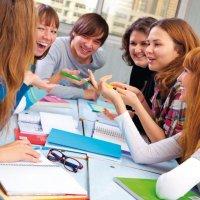 Групповые занятия для школьников по языковому обучению