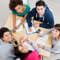 Групповые занятия для взрослых по языковому обучению