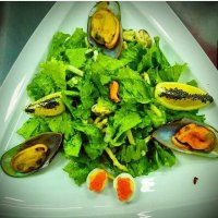 Салат с морепродуктами Прада