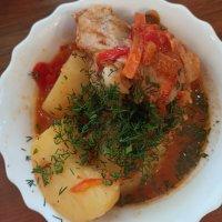 Курица с картошкой в сливочно томатном соусе