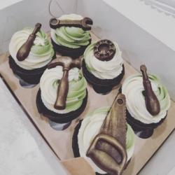 Шоколадные с шоколадными инструментами