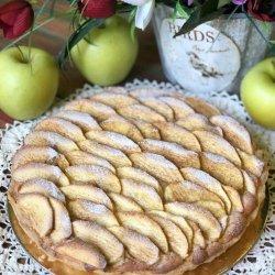 слоеное тесто, миндальный крем и яблоки с корицей
