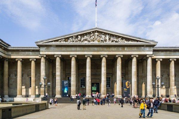Британский музей, онлайн-коллекция одна из самых масштабных, более 3,5 млн экспонатов