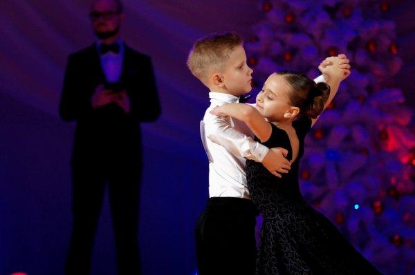 Хотите научиться танцевать? Тогда вам к нам. Студия спортивного бального танца «Танцграция» распахивает свои двери для всех желающих.