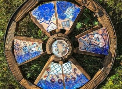 Выставка «Горячая эмаль. Деревянная скульптура»