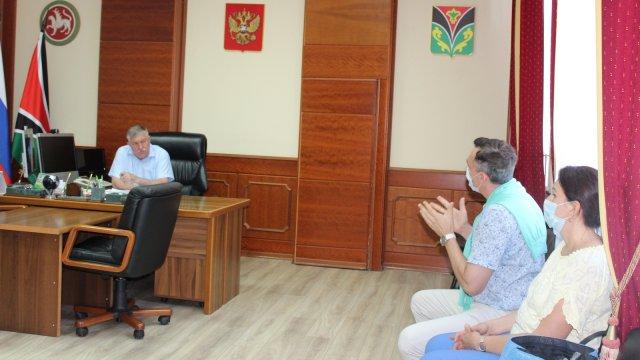Глава Лениногорского района Рягат Хусаинов провел прием граждан по личным вопросам