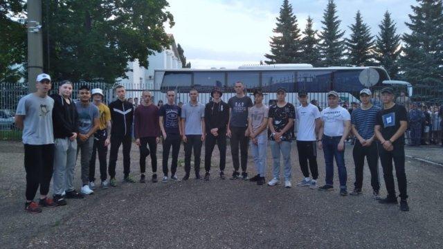 В Лениногорске продолжается отправка призывников
