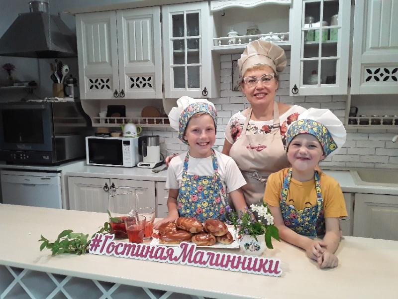 """Гостиная """"Малинники"""", кондитерская,  Абакан"""