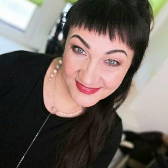 Консультант по красоте компании Мэри Кэй, Эксперт по уходу за кожей лица и тела, мастер макияжа,  Тобольск