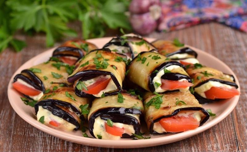 Сытные и очень вкусные закуски могут быть приготовлены не только из мяса, рыбы и грибов, но и из овощей. Рулетики из баклажанов тому яркий пример., Хичиноff & Shashlikoff