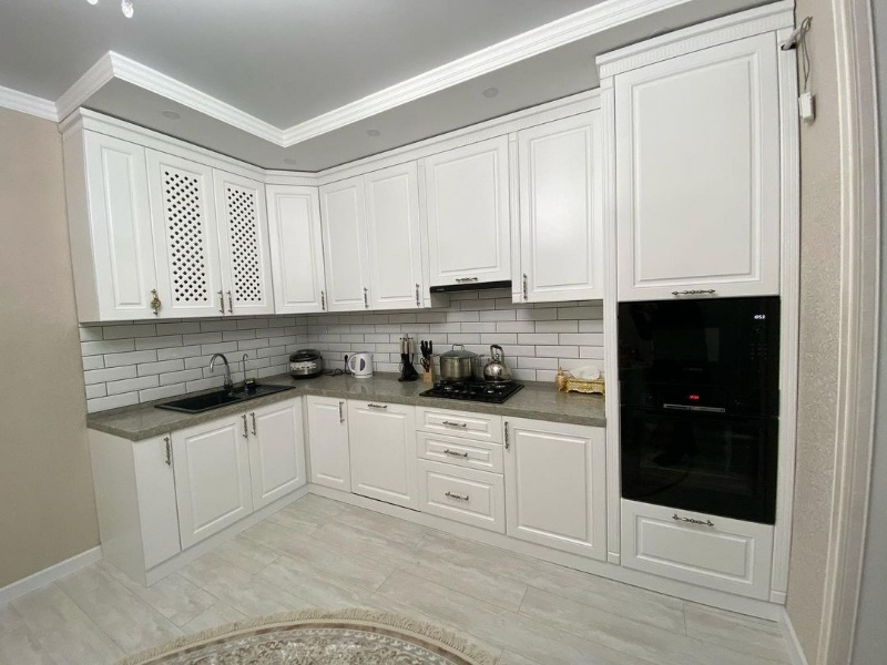 Кухни на заказ от Комфорт мебель студия Актобе , Comfort mebel studio