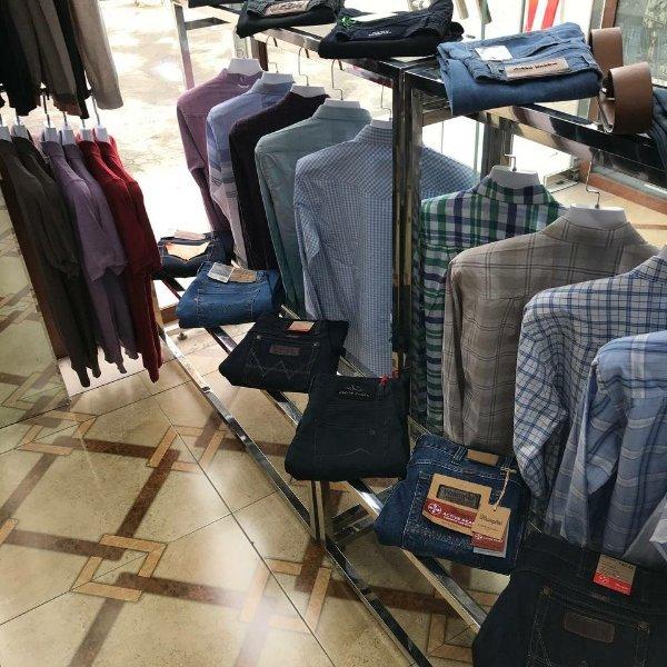 Стеллаж для магазина одежды