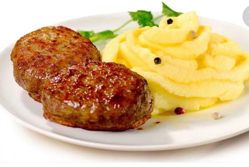 Котлетка с картофельным пюре- всеми любимое блюдо , всего 120 Р.