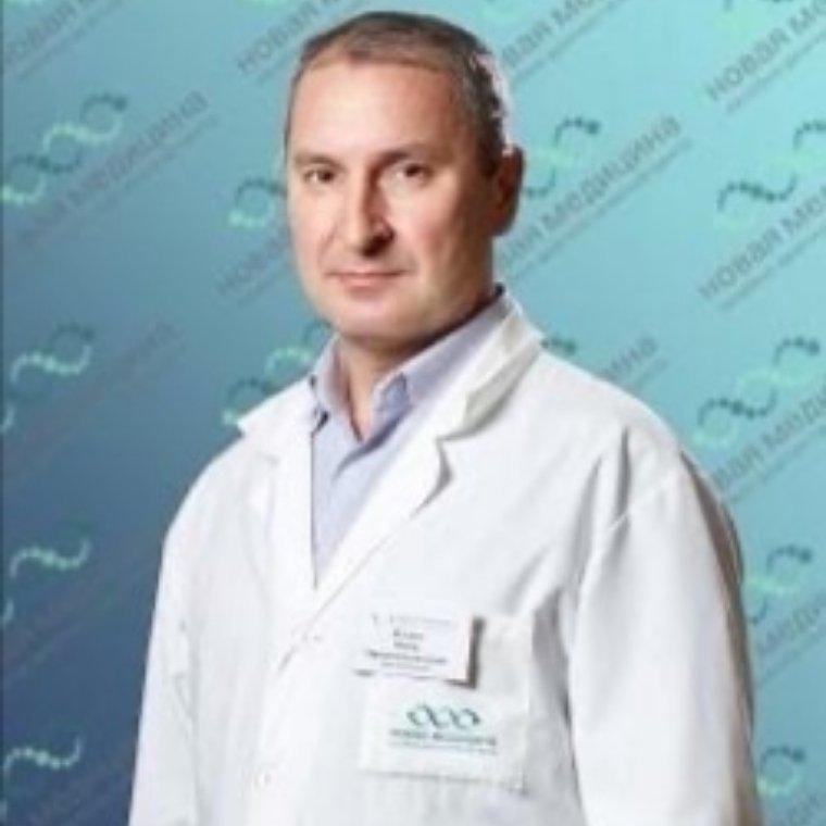 В нашей клинике ведет прием врач-травматолог ортопед Ягудин В. М.