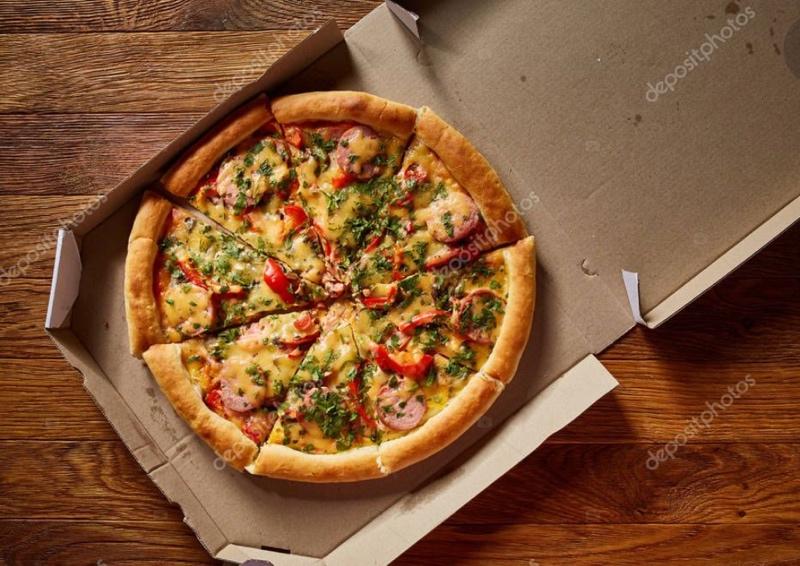 Сегодня побалуем вас не только вкусными  домашними пирожками  , но и ароматной пиццей ! 250 р.