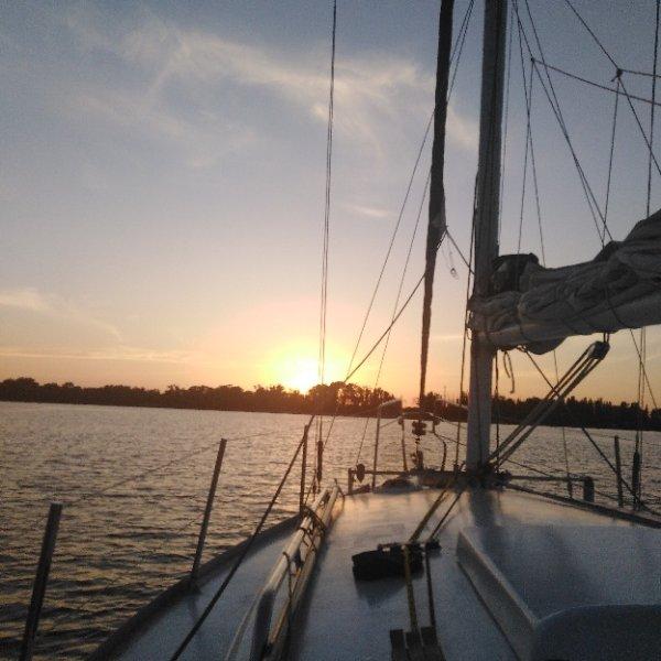 Восхитительные закаты на парусной яхте Polli))