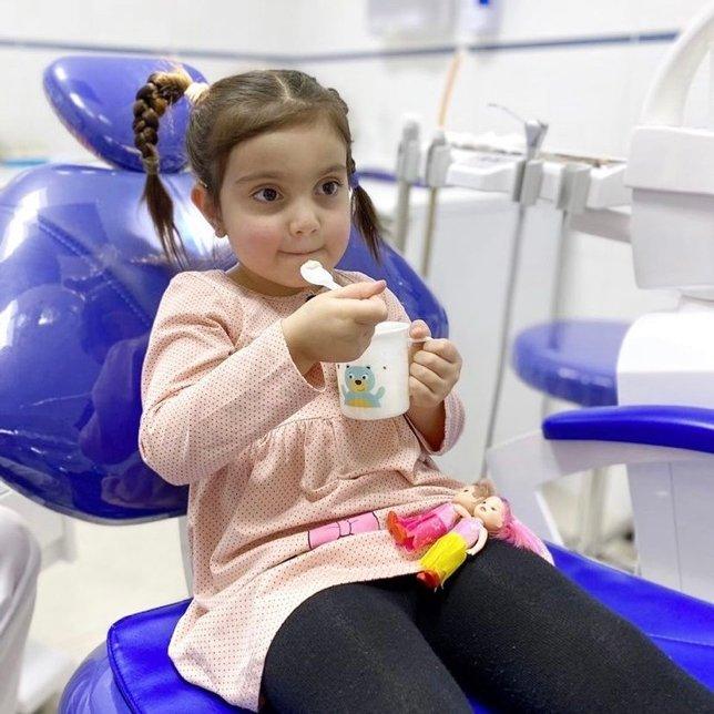 Как вылечить зубы ребёнка без крика, слез и истерик?
