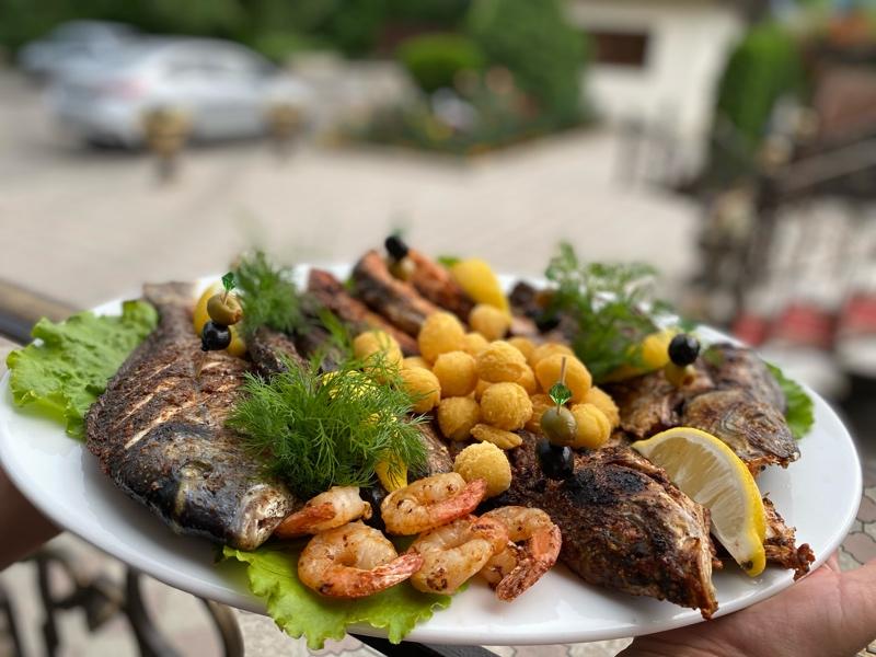 Рыбное ассорти в ресторане «Терраса»