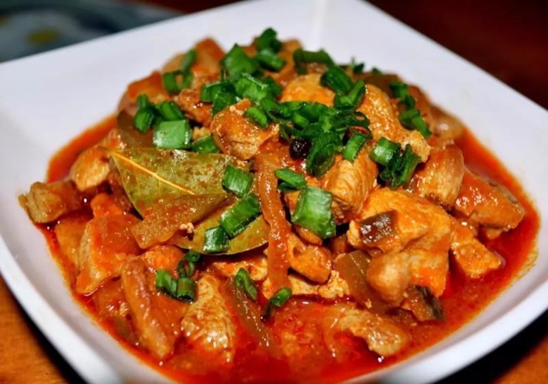 Азу по татарски- сытное и вкусное блюдо , и всего 140 р!Попробуем?
