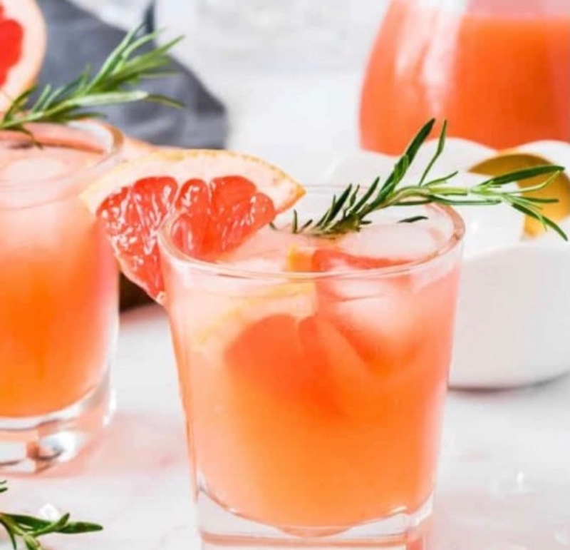 Свежий грейпфрутовый сок