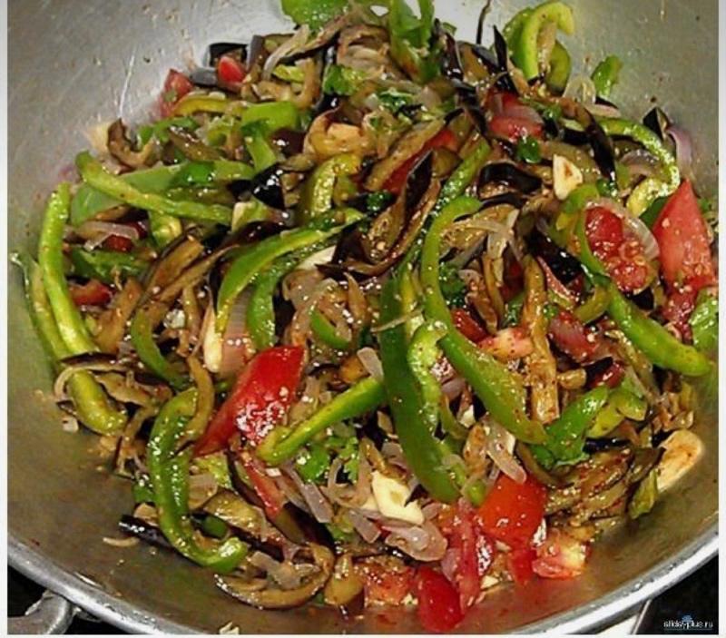 Овощи 🌶 🍆и ещё раз овощи ! А что ещё надо в такую жару? Телятина с овощами 140 р.